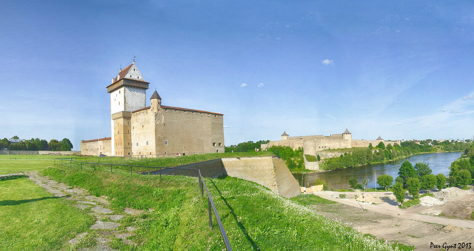 Narva Hermann Fortress - Eastern Border to Russia